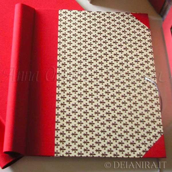 Deianira-cartonaggio-Cartella porta documenti da cm 25x35. Dorso e angoli in tessuto