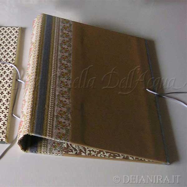 Deianira, Cartella porta documenti da cm 25x35. Dorso e angoli in tessuto