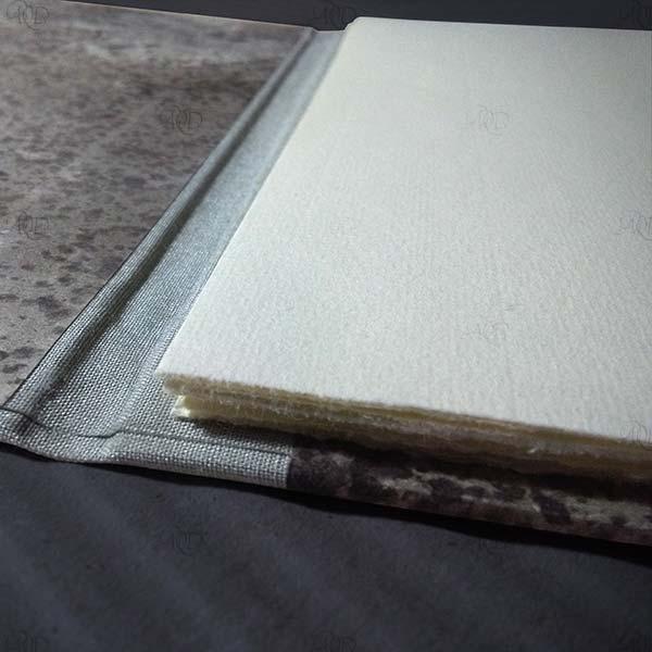 Leporello, con copertina decorata a mano con inchiostro sumi